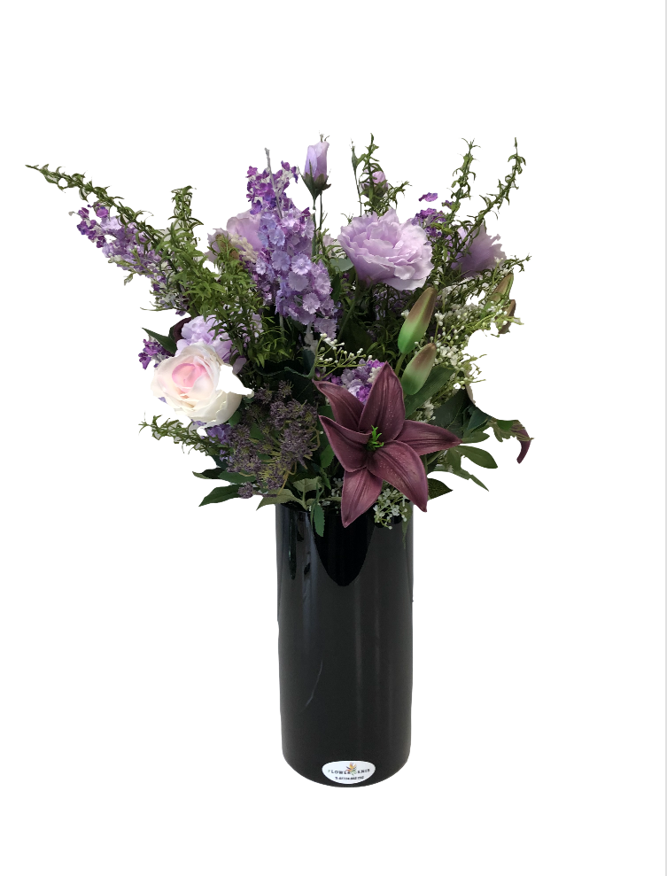 https://www.flower-genie.co.uk/profile/Amethyst Bouquet -Lilies / Rose / lisianthus